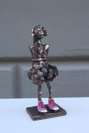 Bronzeskulptur Fighter girl